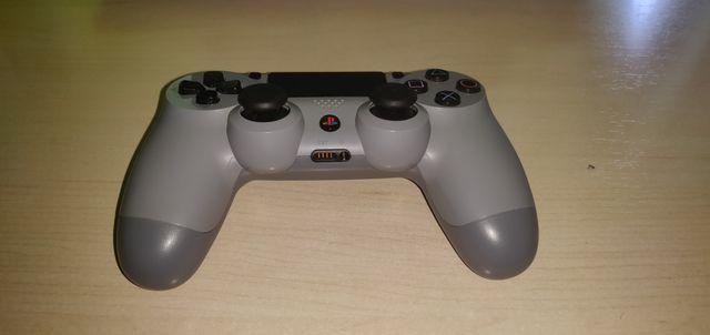 Mando PS4 (20th Anniversary Edition) gris