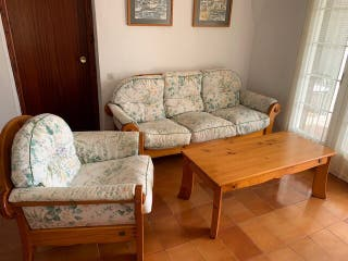 Conjunto Sofá, butaca y mesa