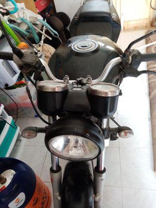 moto hyosung 125