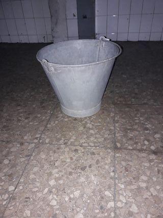 cubo de galvanizzdo