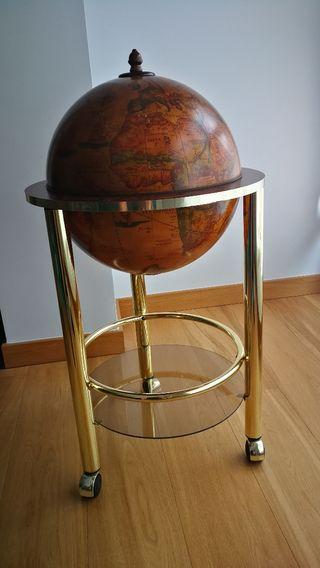 Mueble bar bola del mundo.