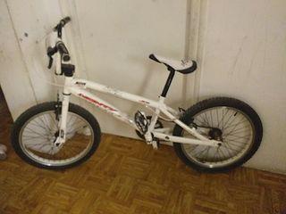 bicicleta monty bmx 100€