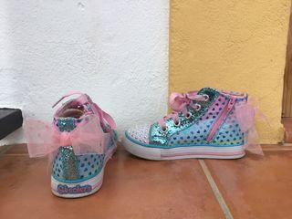 3 pares de zapatos de niña de talla 26/27