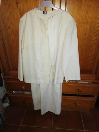 Traje de vestido y chaqueta