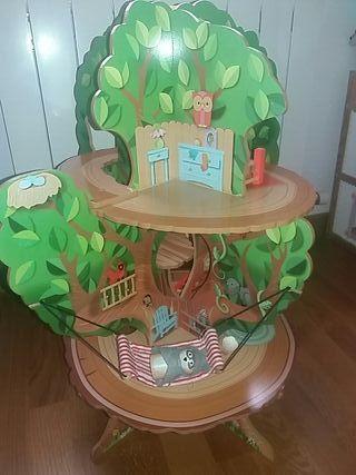 Casa en el arbol de madera