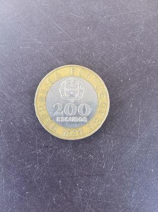 200 escudos