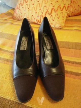 Zapatos LATOCUCHE talla 37