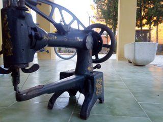 Máquina de coser Zapatero