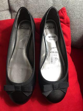 Zapatos Clarks número 39,5 color negro nuevos