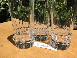 9 vasos de cristal tallado.