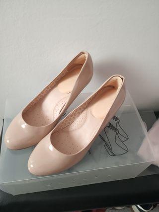 zapatos tacón beige 42