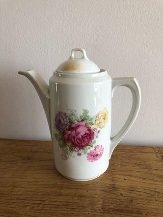 Cafetera vintage floral