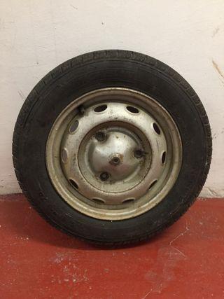 Neumático 135/80 R13