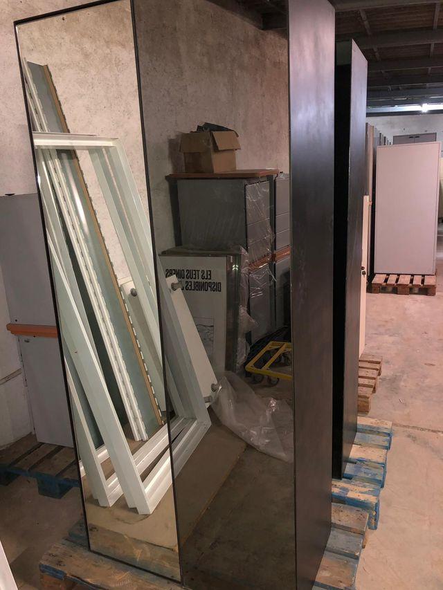 Modulos Con Espejo Para Tienda De Segunda Mano Por 50 En