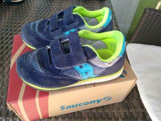 Zapatos niño Saucony (talla 25)