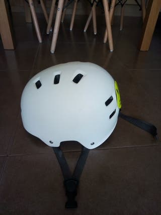 Casco junior de skate / bici