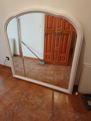 espejo en madera pintado de blanco