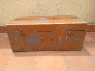 Baul antiguo siglo XIX. Vintage