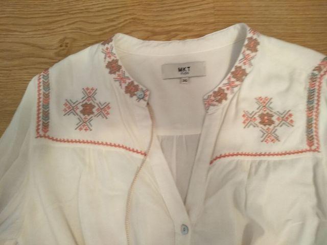 Camisa blanca bordados MKT T 36