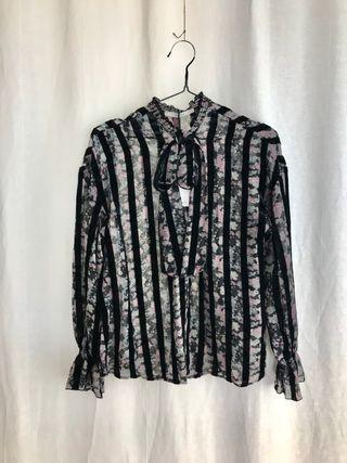Conjunto Uterqüe pantalón y blusa