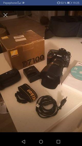 Cámara Nikon D7100 y objetivo AF-S Nikkor 17-55mm