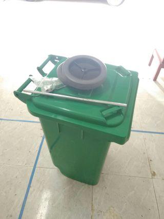 Cubo basura clàssic verde a estrenar 100l