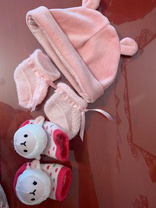 Gorro Patucos y calcetines recién nacido