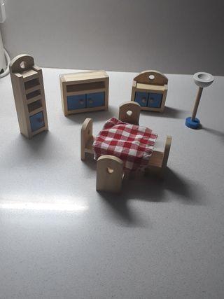 comedor madera de juguete