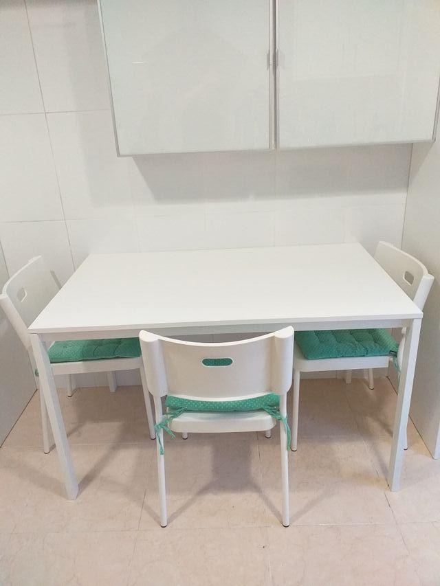 Mesa cocina Ikea con 3 sillas+cojines de segunda mano por 80 € en ...