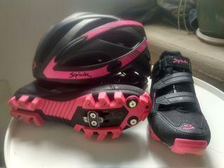 Zapatillas y casco como nuevos