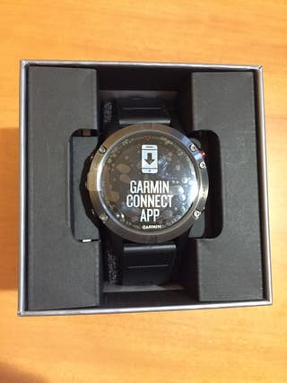 Reloj Garmin Fenix 5 color negro.