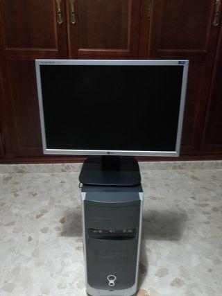 ordenador de sobremesa,casi sin uso