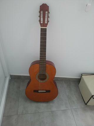 Guitarra clásica sonora, modelo SGN 450