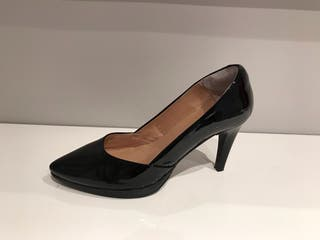 Zapatos piel charol talla 40