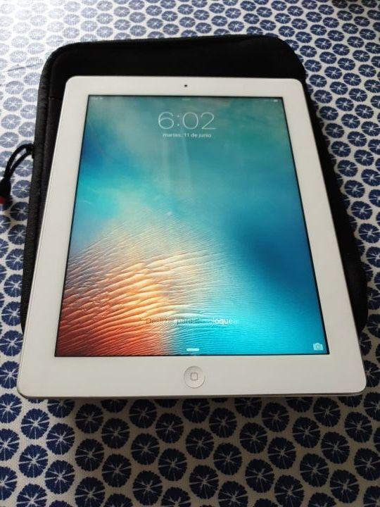 iPad con pantalla retina +funda Samsonite