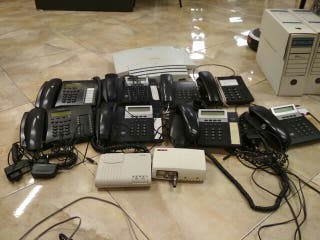 Centralita y 8 teléfonos