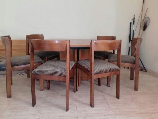 Conjunto mesa y sillas comedor de segunda mano por 150 € en Sant ...