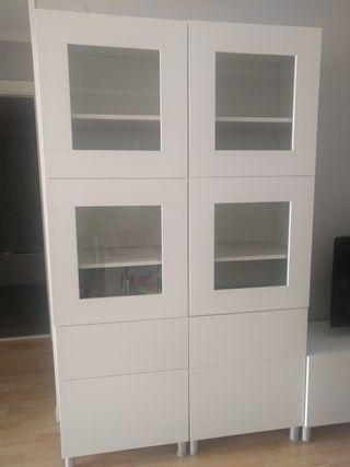 Mueble vitrina salón blanco Ikea