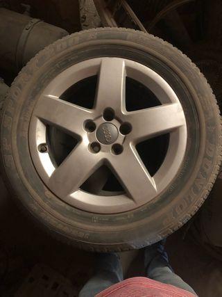 Llantas con ruedas Audi