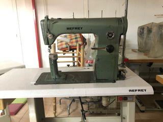 Máquina de coser de columna