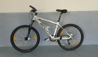 Bicicleta Scott Scale 90