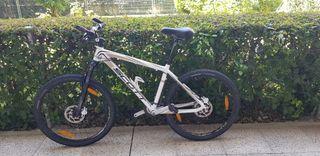 Bicicleta Scott Scale 90