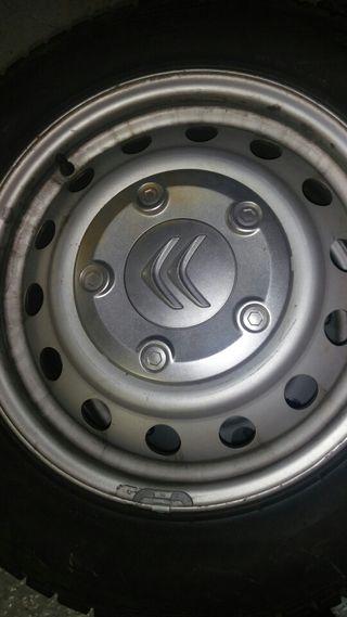 Ruedas de invierno Pirelli Sottozero 3 215/60r16