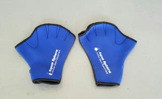 Guantes de fitness y natación