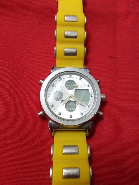 reloj analógico de hombre