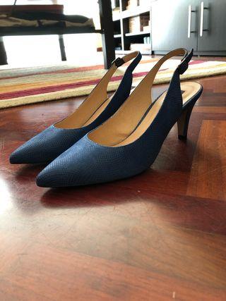 Zapato de ante azul de Miryan