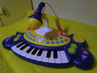 Teclado infantil con micrófono