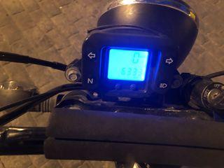 Se vende la moto es una 125cc hyosung