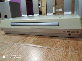 EQUIPO PIONEER + REPRODUCTOR DVD / CD.