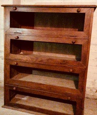 Aparador antiguo de madera
